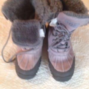 UGG Adirondak boots 9